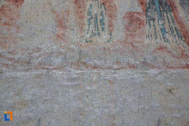 detalii-originale-de-la-biserica-inaltarea-domnului-1785-din-saliste-judetul-sibiu.jpg