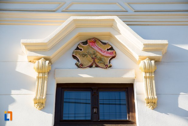 detalii-ornamentale-de-la-ansamblul-urban-str-primaverii-din-alba-iulia-judetul-alba.jpg