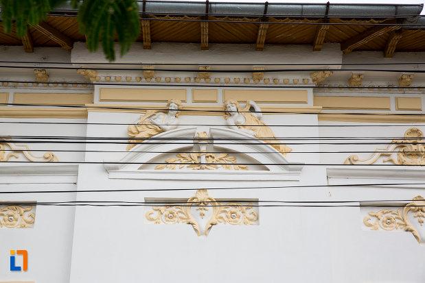 detalii-ornamentale-de-la-casa-alexandru-cartojan-din-giurgiu-judetul-giurgiu.jpg