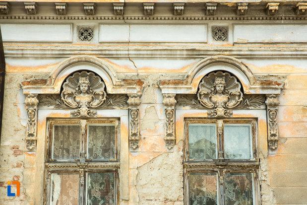 detalii-ornamentale-de-la-casa-coravu-violeta-din-drobeta-turnu-severin-judetul-mehedinti.jpg