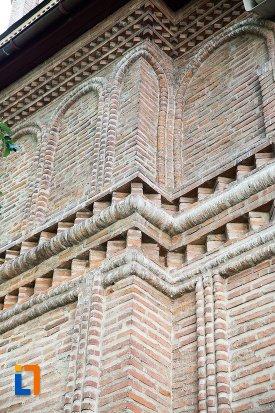 detalii-ornamentale-de-la-catedrala-sf-gheorghe-din-pitesti-judetul-arges.jpg