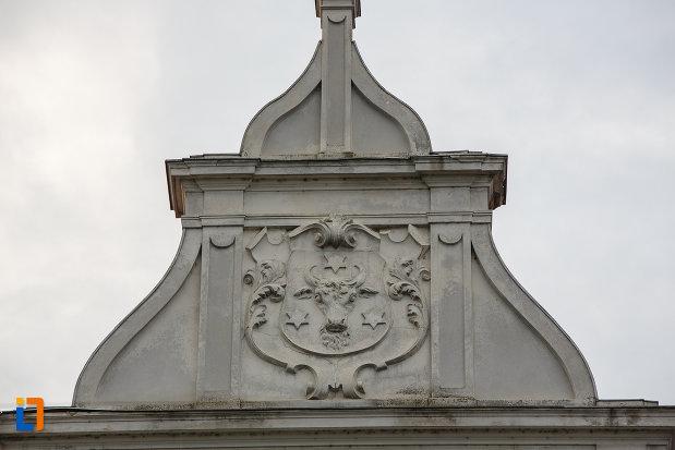 detalii-ornamentale-de-la-cladirea-administrativa-a-orasului-azi-prefectura-si-consiliul-judetean-suceava.jpg