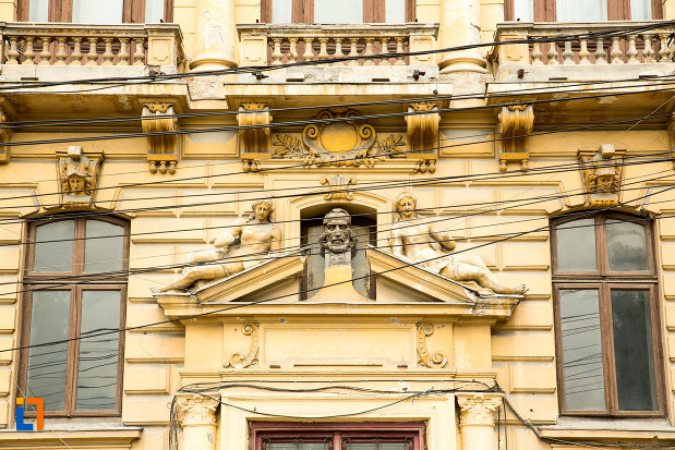 detalii-ornamentale-de-la-colegiul-national-carol-i-din-craiova-judetul-dolj.jpg
