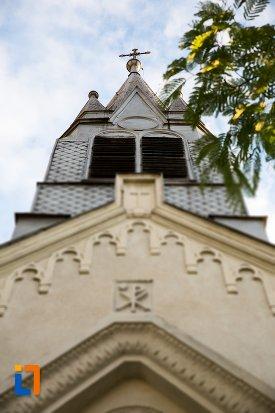 detalii-ornamentale-de-pe-biserica-sf-anton-din-pitesti-judetul-arges.jpg