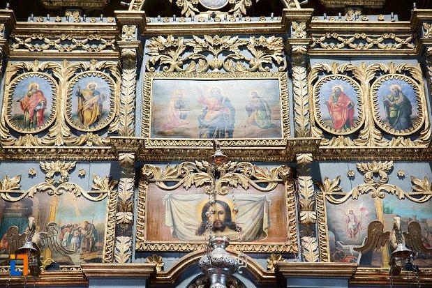 detalii-ornamentale-din-biserica-adormirea-maicii-domnului-mavrodolu-din-pitesti-judetul-arges.jpg