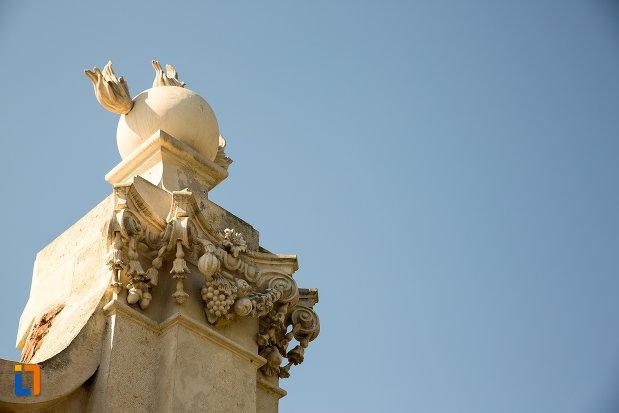 detalii-sculptate-de-pe-poarta-a-ii-a-a-cetatii-din-alba-iulia-judetul-alba.jpg