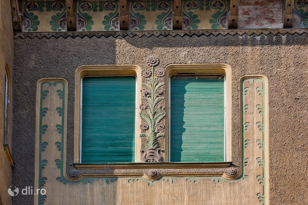 detalii-si-obloane-palatul-stern-din-oradea-judetul-bihor.jpg