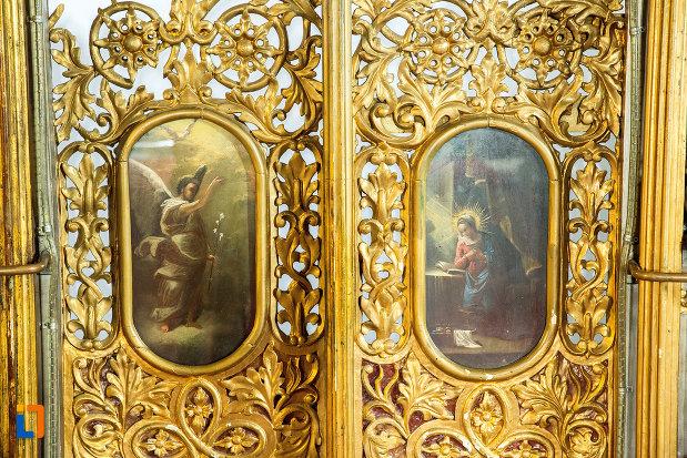 detaliile-de-pe-altarul-din-biserica-grecescu-din-drobeta-turnu-severin-judetul-mehedinti.jpg