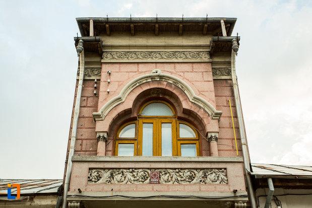 detaliu-arhitectural-din-orasul-slatina-judetul-olt.jpg