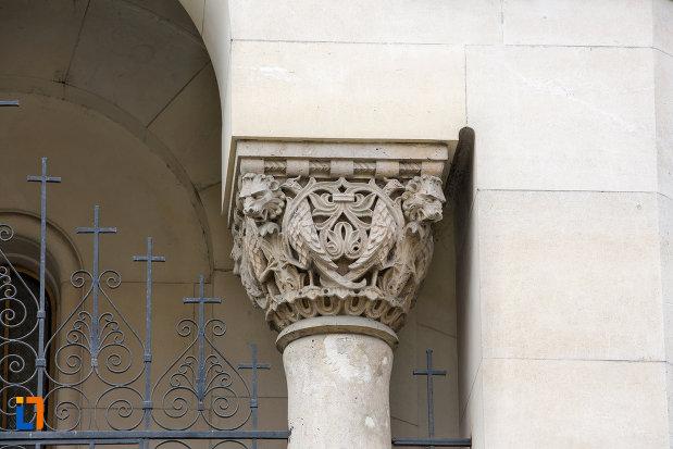 detaliu-coloana-muzeul-ortodox-din-cluj-napoca-judetul-cluj.jpg