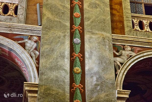 detaliu-de-interior-bazilica-romano-catolica-din-oradea-judetul-bihor.jpg
