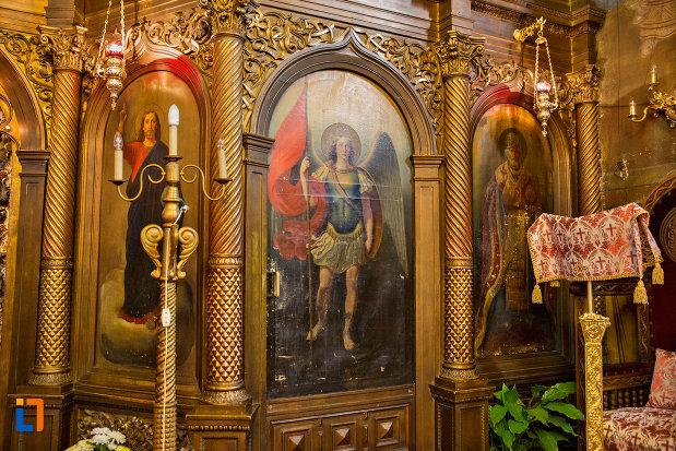 detaliu-de-interior-biserica-ortodoxa-sf-nicolae-din-cluj-napoca-judetul-cluj.jpg