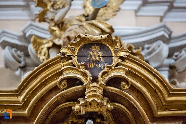 detaliu-de-interior-biserica-romana-catolica-sfanta-treime-din-cluj-napoca-judetul-cluj.jpg
