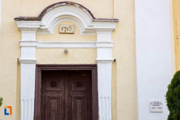 detaliu-de-la-biserica-romano-catolica-din-oravita-judetul-caras-severin.jpg