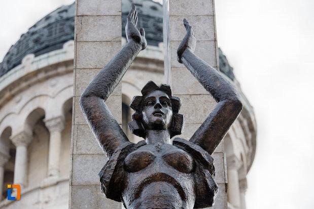 detaliu-de-la-monumentul-glorie-ostasului-roman-din-cluj-napoca-judetul-cluj.jpg