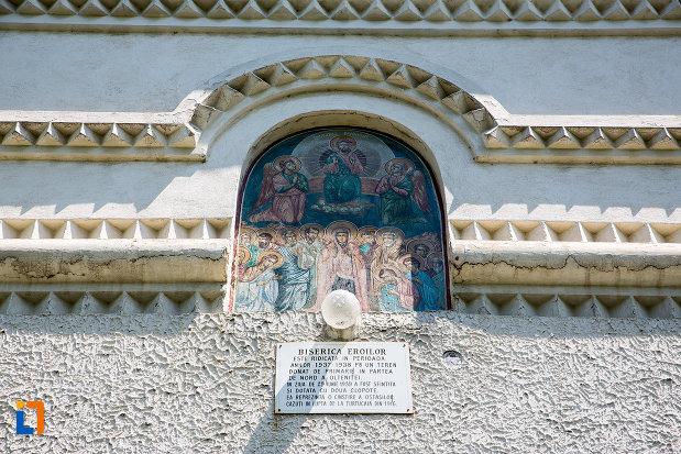 detaliu-de-pe-biserica-eroilor-din-oltenita-judetul-calarasi.jpg