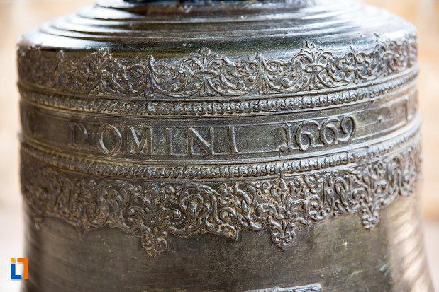 detaliu-de-pe-clopotul-din-biserica-domneasca-adormirea-maicii-domnului-din-targoviste-judetul-dambovita.jpg