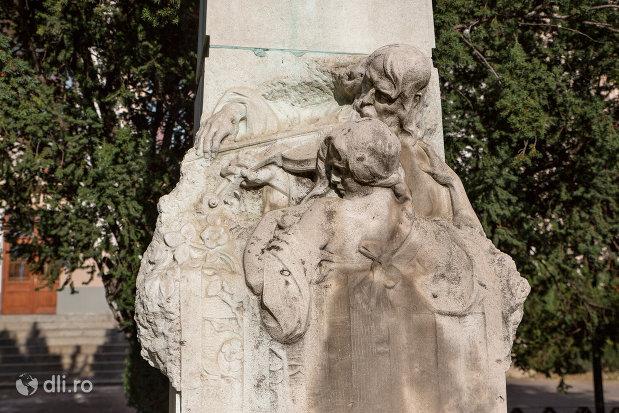 detaliu-de-pe-statuia-sigligeti-ede-din-oradea.jpg