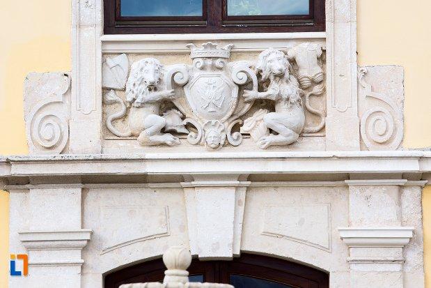 detaliu-decorativ-de-pe-palatul-apor-azi-universitatea-1-decembrie-rectorat-din-alba-iulia-judetul-arges.jpg
