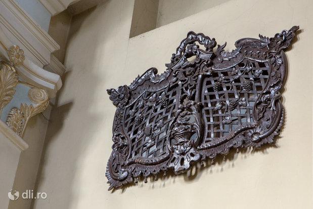 detaliu-din-biserica-maica-indurerata-a-manastirii-premonstratense-din-oradea-judetul-bihor.jpg