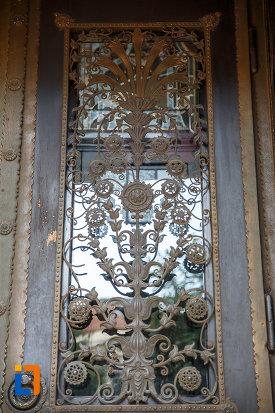 detaliu-din-fier-forjat-palatul-culturii-filarmonica-biblioteca-si-muzeul-de-arta-din-targu-mures-judetul-mures.jpg
