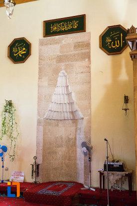 detaliu-din-moscheea-esmahan-sultan-din-mangalia-judetul-constanta.jpg
