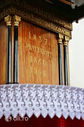 detaliu-loc-de-predica-biserica-reformata-tasnad.jpg