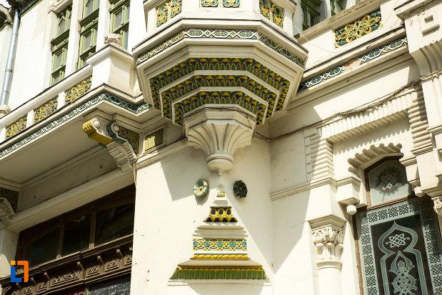 detaliu-ornamental-de-la-hotel-si-casino-minerva-din-craiova-judetul-dolj.jpg