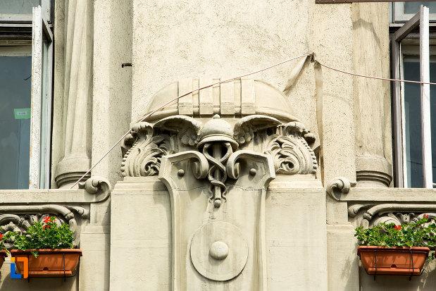 detaliu-ornamental-de-pe-hotel-palace-din-craiova-judetul-dolj.jpg