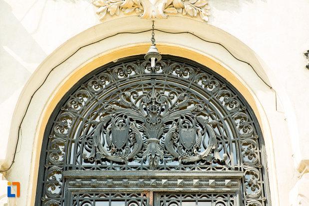 detaliu-ornamental-primaria-din-craiova-judetul-dolj.jpg