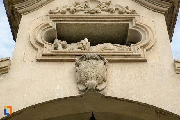 detaliu-poarta-biserica-romano-catolica-sf-pertu-din-cluj-napoca-judetul-cluj.jpg