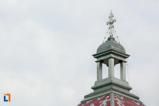 detaliu-turn-palatul-arhiepiscopiei-ortodoxe-din-cluj-napoca-judetul-cluj.jpg