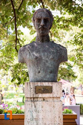 dimitrie-nicolescu-aleea-eroilor-1877-1878-23-de-busturi-si-o-placa-comemorativa-din-giurgiu.jpg