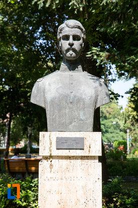dimitrie-serbanescu-aleea-eroilor-1877-1878-23-de-busturi-si-o-placa-comemorativa-din-giurgiu.jpg