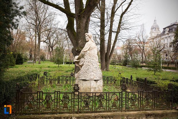 doamna-statuie-din-parcul-mihai-eminescu-din-arad-judetul-arad.jpg