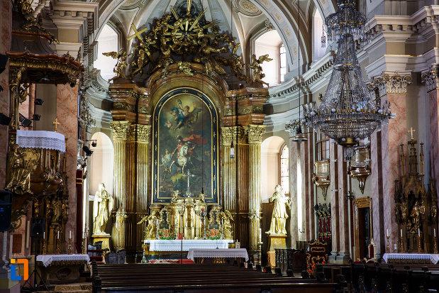 domul-romano-catolic-din-timisoara-judetul-timis-un-interior-deosebit.jpg