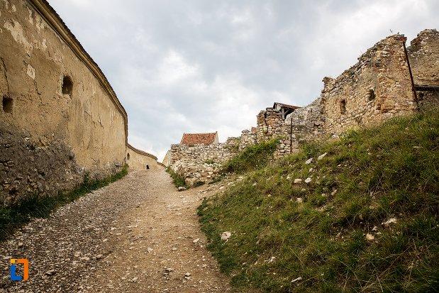 drum-din-cetatea-rasnov-judetul-brasov.jpg