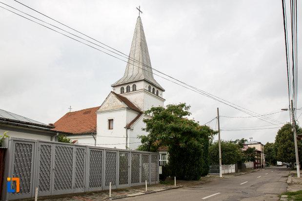 drumul-cu-biserica-romano-catolica-din-giurgiu-judetul-giurgiu.jpg