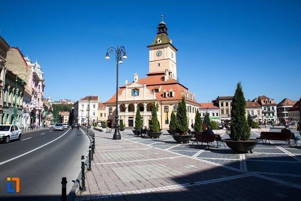 drumul-spre-muzeul-judetean-de-istoria-din-brasov-judetul-brasov.jpg