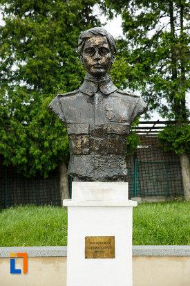 ecaterina-teodoroiu-mausoleul-eroilor-din-1916-1919-de-la-marasesti-judetul-vrancea.jpg