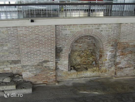 edificiul-roman-cu-mozaic.jpg