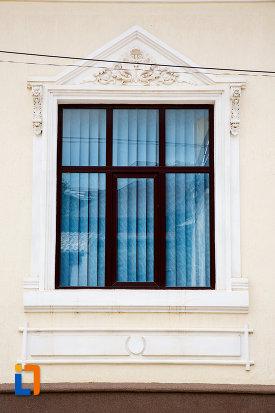 elemente-decorative-ale-ferestrelor-casa-hentze-din-giurgiu-judetul-giurgiu.jpg