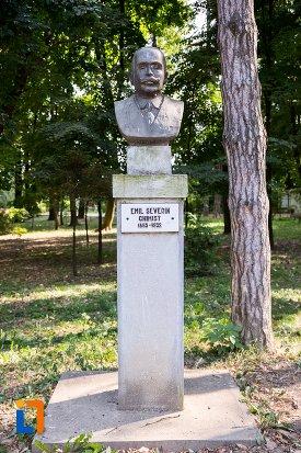 emil-severin-grupul-statuar-din-parcul-mihai-eminescu-din-botosani-judetul-botosani.jpg