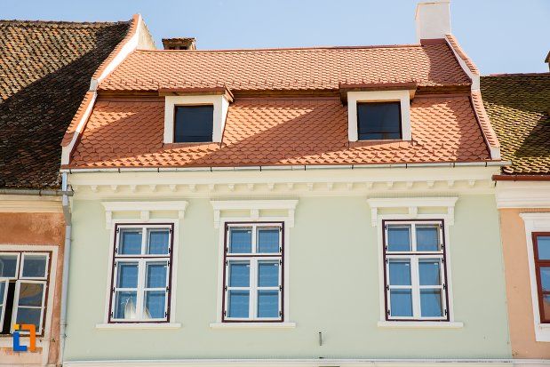 etaj-si-acoperis-de-la-casa-din-piata-sfatului-nr-13-din-brasov-judetul-brasov.jpg