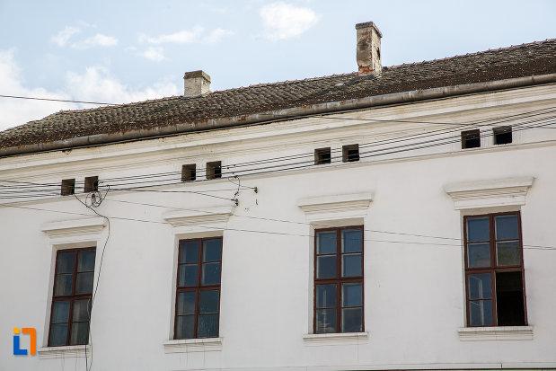 etajul-de-la-casa-de-pe-b-dul-lucian-blaga-nr-28-din-sebes-judetul-alba.jpg