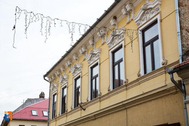 etajul-de-la-casa-de-pe-str-1-decembrie-1918-din-oravita-judetul-caras-severin.jpg