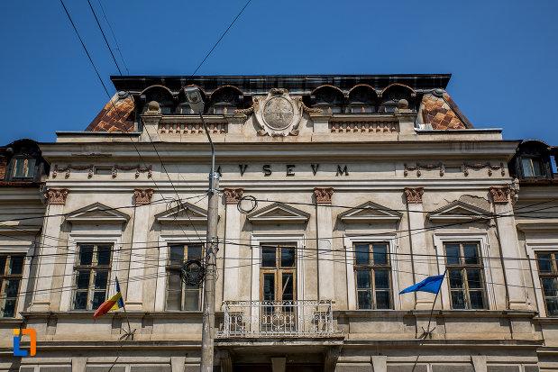 etajul-de-la-muzeul-arta-lemnului-din-campulung-moldovenesc-judetul-suceava.jpg