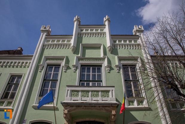 etajul-de-la-muzeul-de-etnogtrafie-universala-franz-binder-din-sibiu-judetul-sibiu.jpg