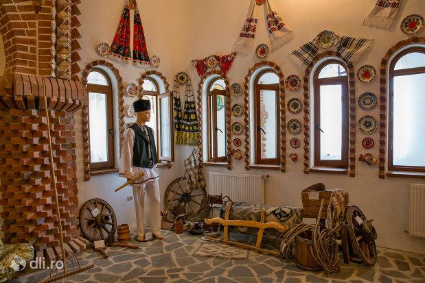 expo-obiecte-traditionale-manastirea-scarisoara-noua-judetul-satu-mare.jpg