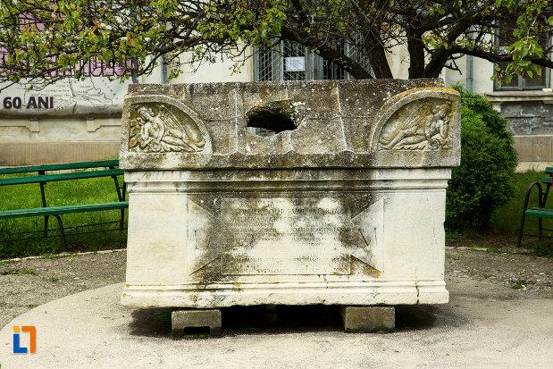 exponata-de-la-muzeul-romanatiului-din-caracal-judetul-olt.jpg